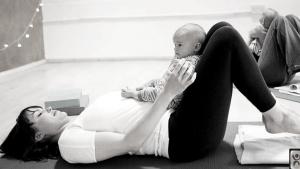 mum-baby-yoga-frome